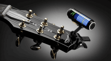 Guitar Bass Korg Sledgehammer clip on tuner Musikmesse