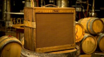 Fender Custom Shop 80 Proof Blues Junior 15 watt hand aged amp