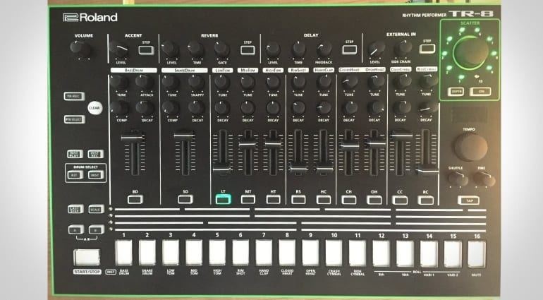 Roland TR-8 in update mode