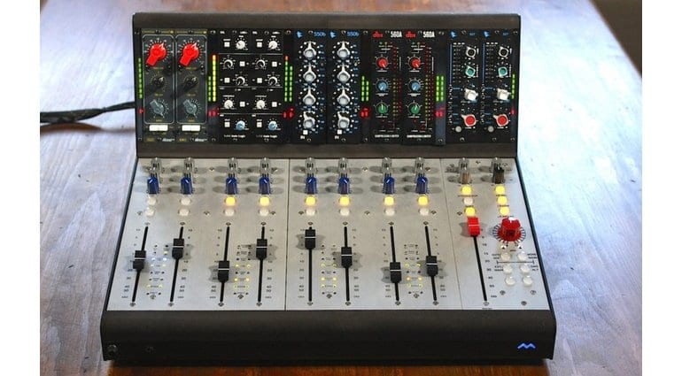 Mana Modular, the analogue console for project studios