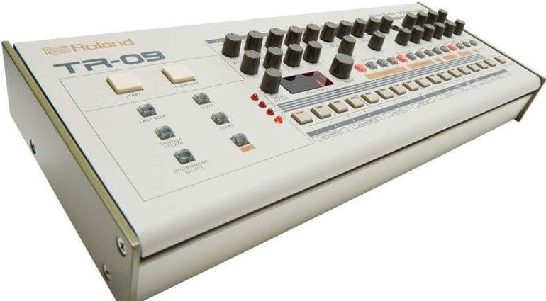 https://www.gearnews.com/wp-content/uploads/2016/09/roland-tr09-angle.jpg