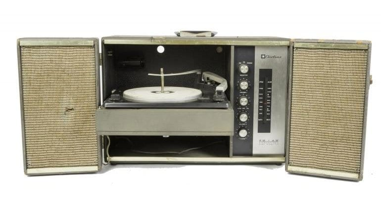 A Wards Airline phonograph and AM-FM Stereophonic radio that Frank Zappa took with him on the road.