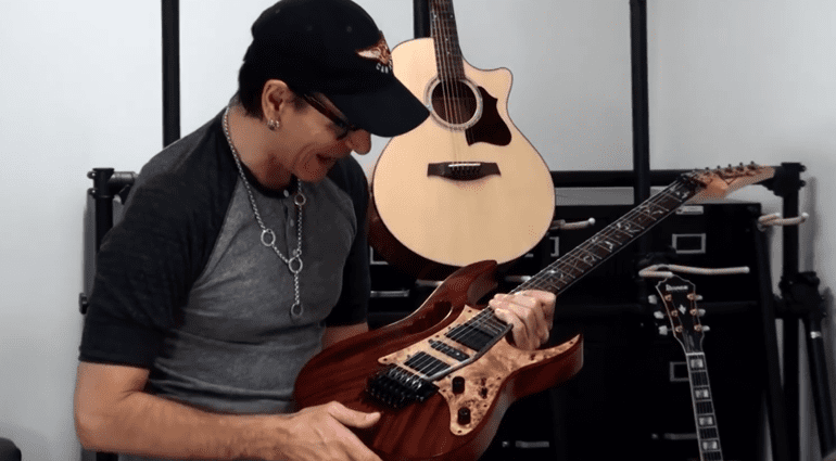 Ibanez Custom Shop Steve Vai Woody