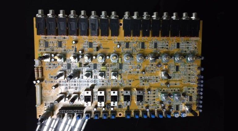 Behringer 808 PCB