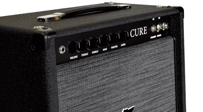 dr z debuts 39 no frills 39 boutique combo amp the cure. Black Bedroom Furniture Sets. Home Design Ideas