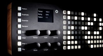 Polyend SEQ MIDI Step Sequencer - controls and screen