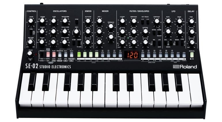 Roland SE-02 with K-25m keyboard
