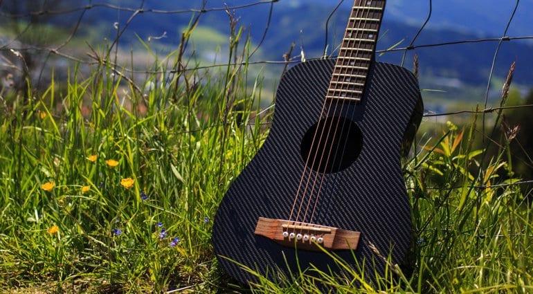 KLŌS guitar