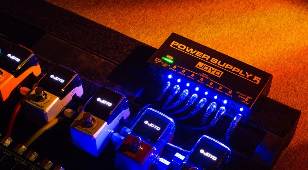 Joyo releases its cheap, rechargeable JP-05 pedalboard power