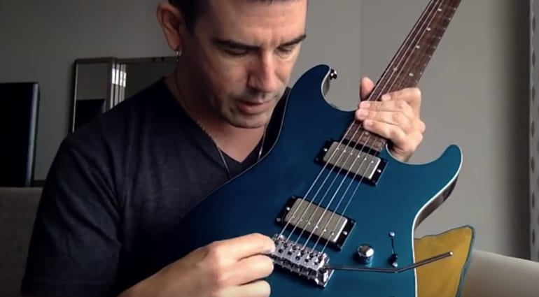 Pete Thorn previews new Wilkinson locking trem system on YouTube ...