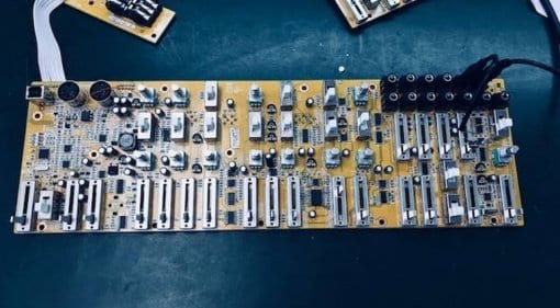 Behringer Mystery PCB