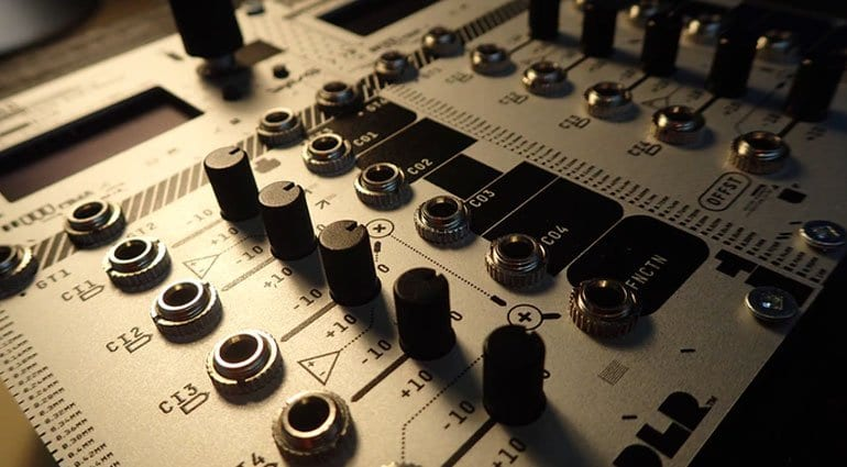 DU-INO: Arduino in a Eurorack module running any function