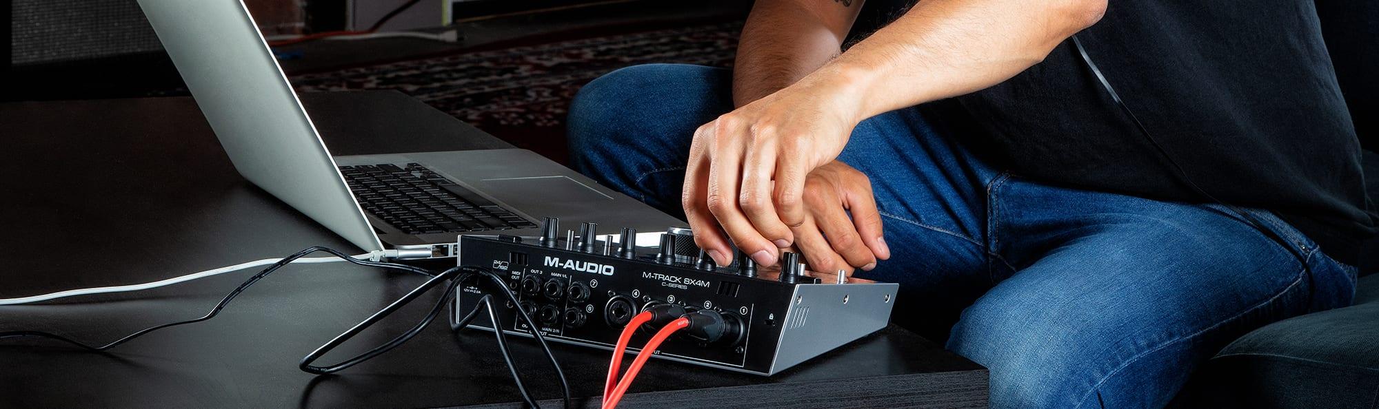 M-Audio 8X4M - back