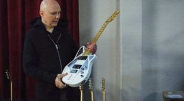 Billy Corgan Reverend Guitar - White sounds better