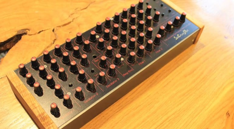 rava yamana 60 knob midi controller for analog style vst synthesizers. Black Bedroom Furniture Sets. Home Design Ideas