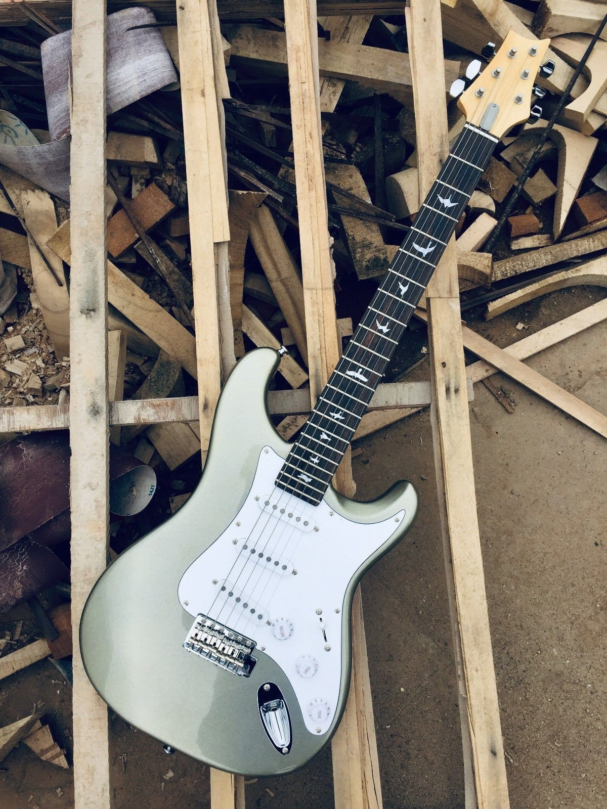 How To Tell A Fake Prs John Mayer Silver Sky Guitar From
