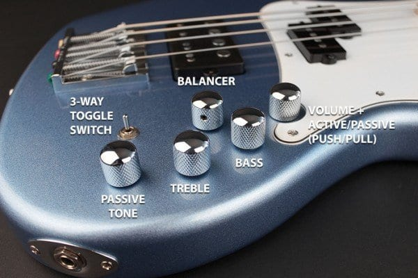 Cort GB74 Gig Bass controls