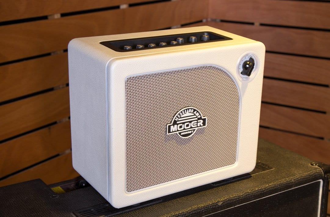 Mooer Hornet White mini combo