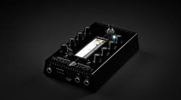 Gamechanger Audio LIGHT Pedal an optial spring reverb