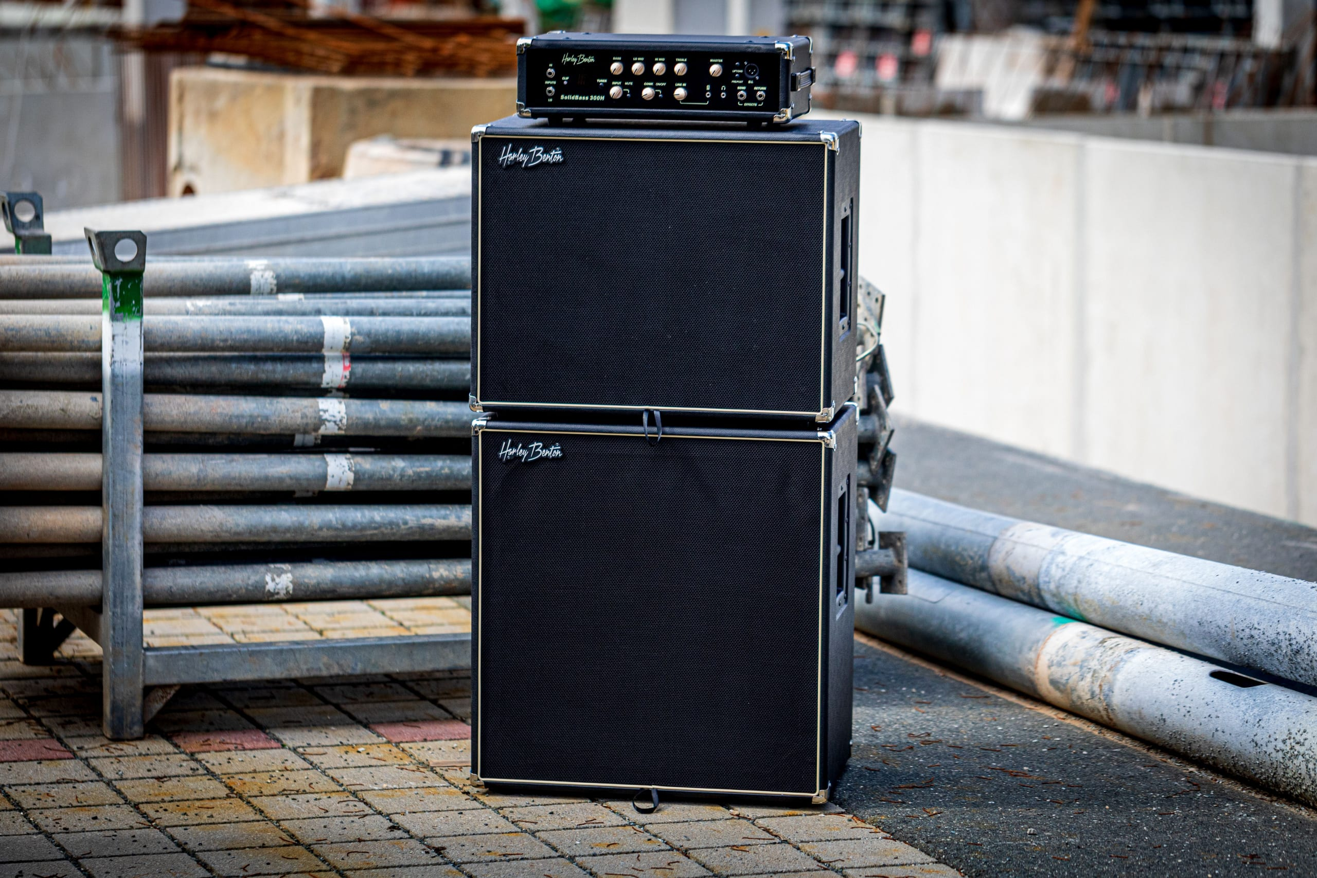 Harley Benton SolidBass 300H with matching cabs