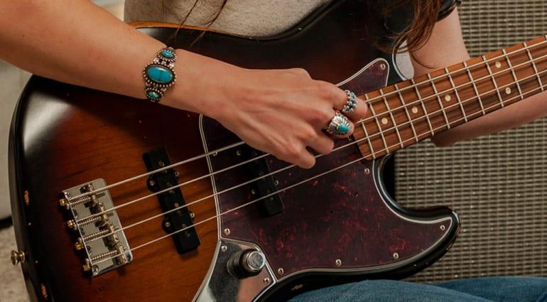 Fender 60th Anniversary Road Worn Jazz Bass