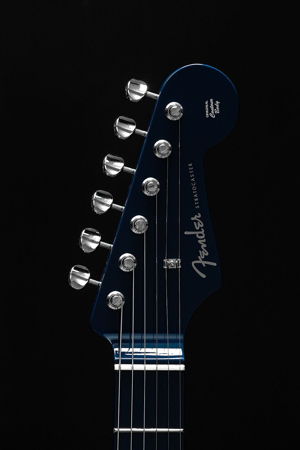 Hypebeast Stratocaster with navy headstock
