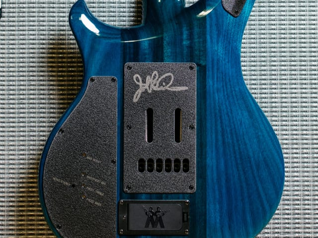 Majesty Bali Blue Burst signed by Petrucci