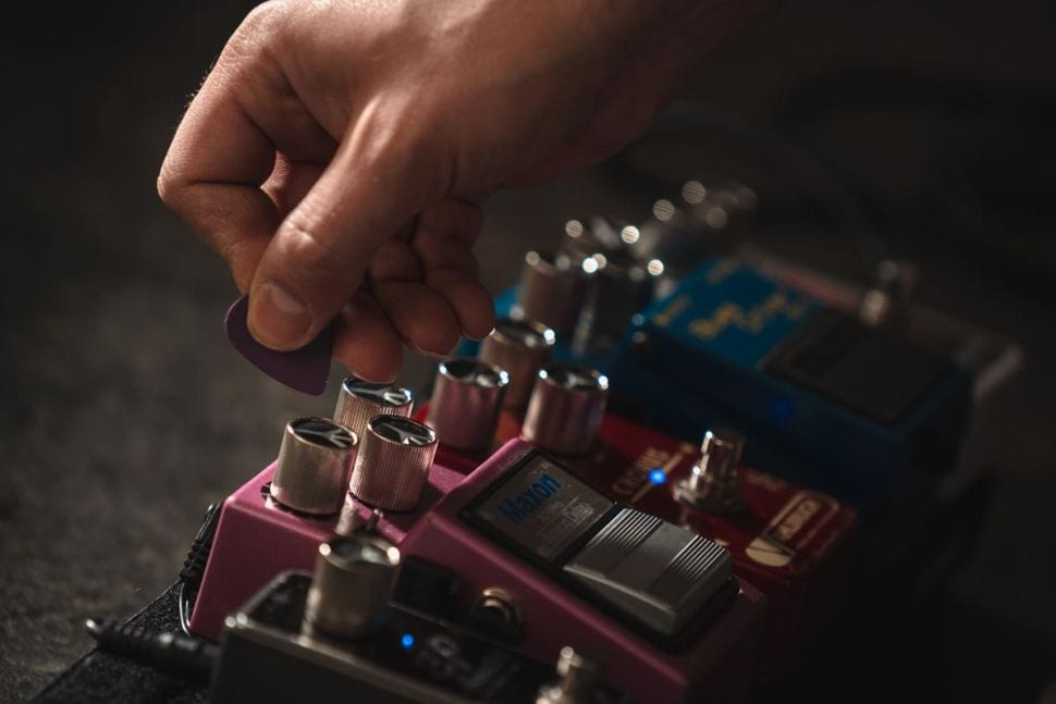 PeacePoti adjust settings easily with your plectrum
