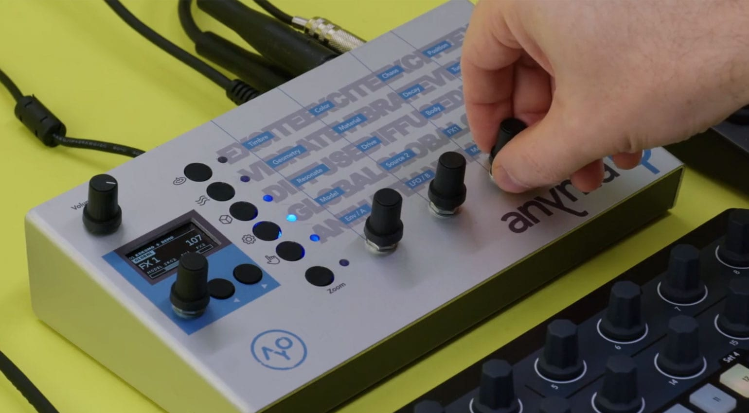 Anyma Phi: Physical modelling synth in a compact hardware box