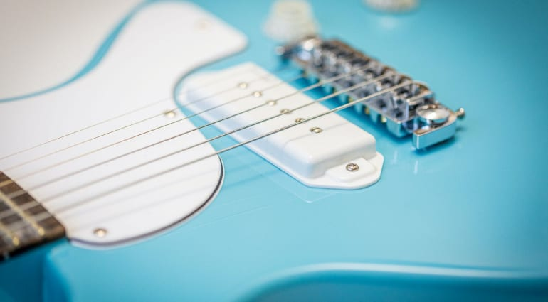 Harley Benton DC-Junior FAT in Benton Blue with Roswell P90D pickup