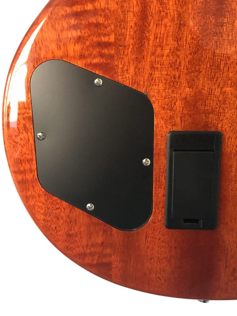 Recessed backplate and battery compartment