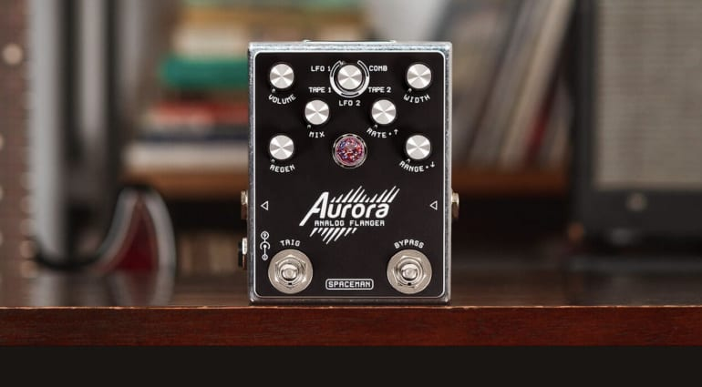 Spaceman Effects - Aurora Analog Flanger with triangle waveform at it's heart
