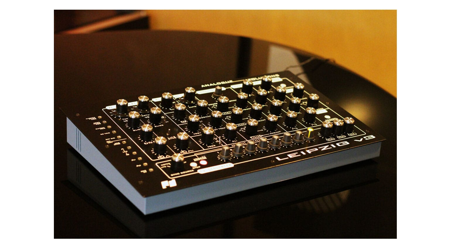 Analogue Solutions LEIPZIG V3: Original angry sound, new happy features
