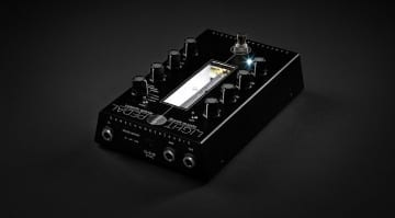 Gamechanger Audio LIGHT Pedal an optial spring reverb