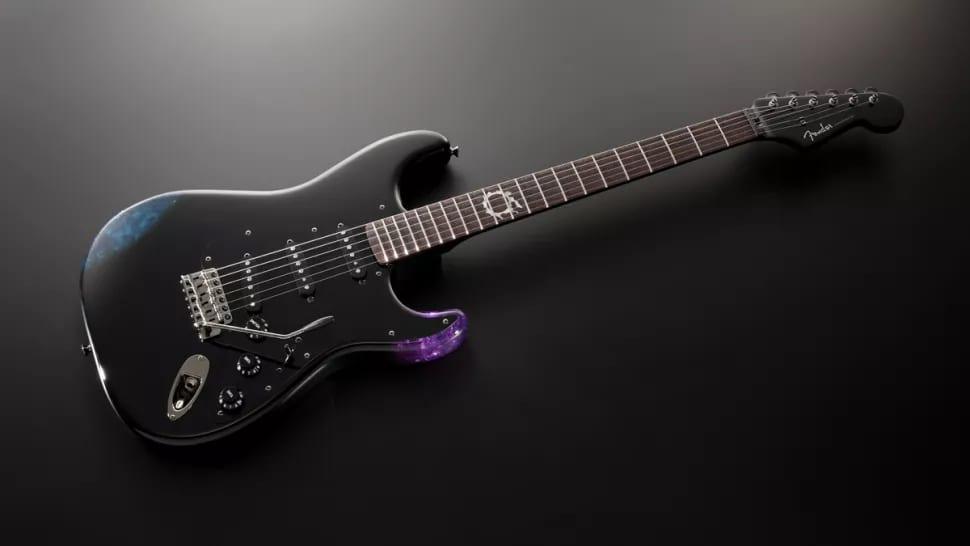Fender Final Fantasy XIV Stratocaster front