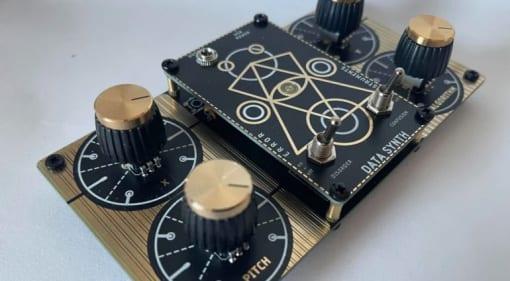 Error Instruments Data Synth Gold XO