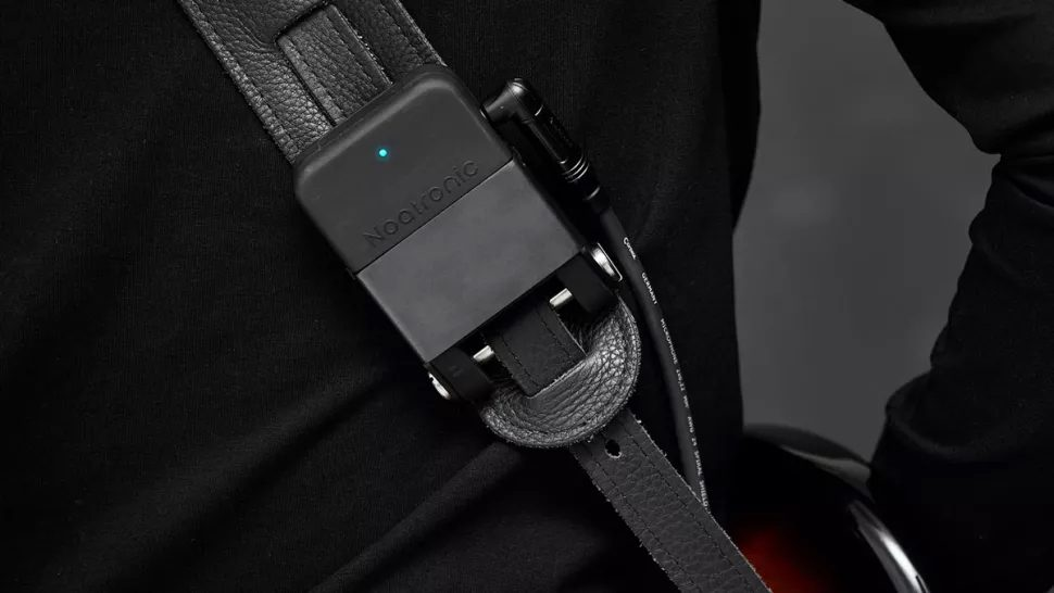 Noatronic 2.4GHz wireless pack on your guitar strap