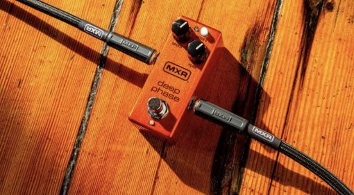 MXR Deep Phase a new two knob phaser